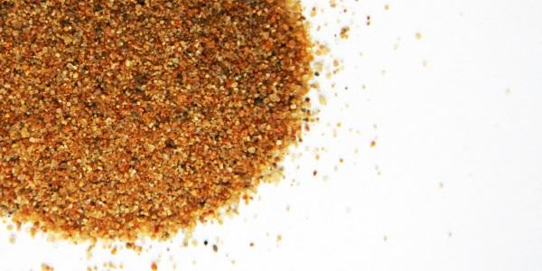 Сеяный песок в мешках